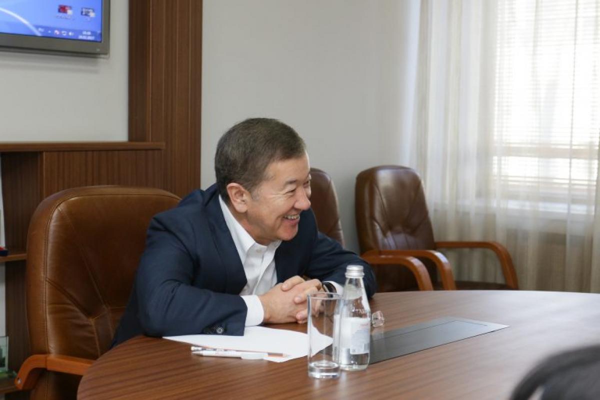 Булат Утемуратов смеется до поры до времени